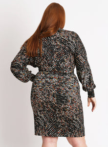 CURVY PRINTED BLACK PLUS SIZE WRAP FRONT DRESS WITH SLEEVES
