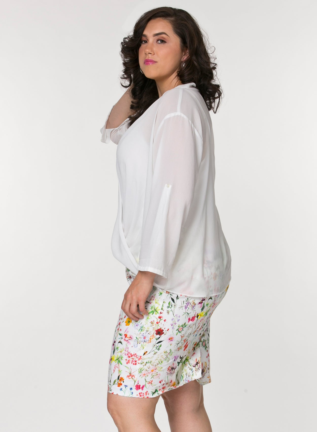 2bd61daaba7 ... CURVY PLUS SIZE PENCIL SKIRT IN WHITE COTTON FLORAL PRINT ...