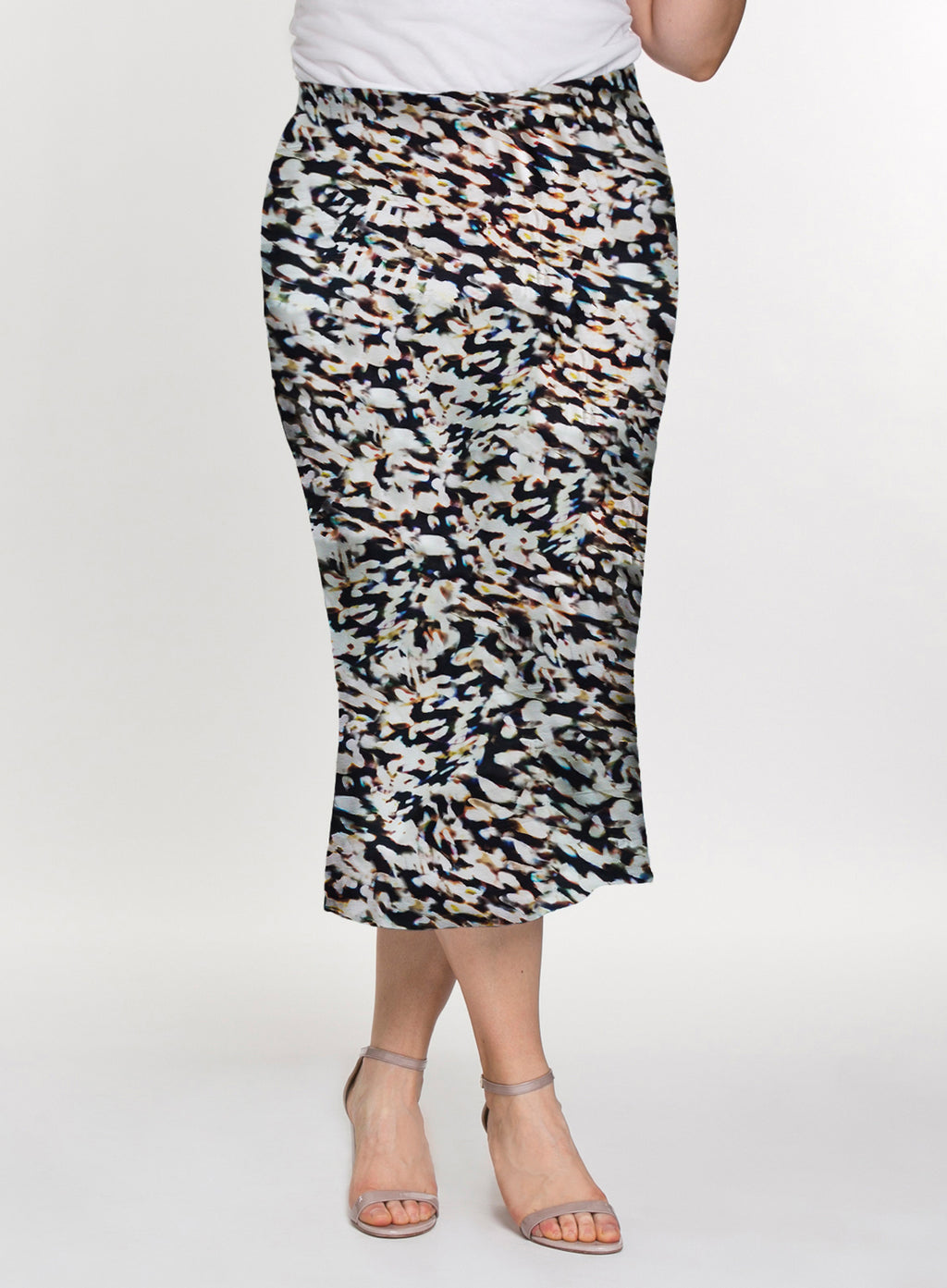 CURVY BLACK AND IVORY PRINTED PULL ON ELASTIC WAIST PLUS SIZE KNIT SKIRT