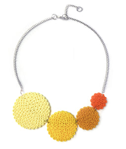 Yellow circles necklace - in shades of yellow and orange.