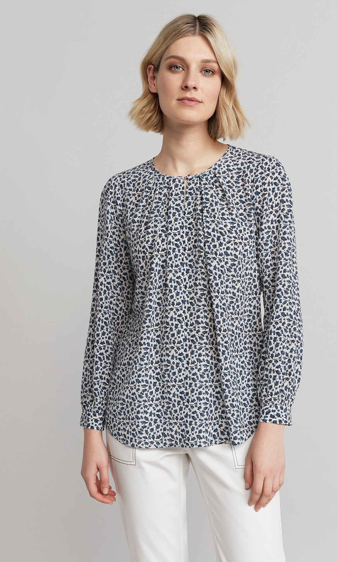 Frida Blouse - White/Blue