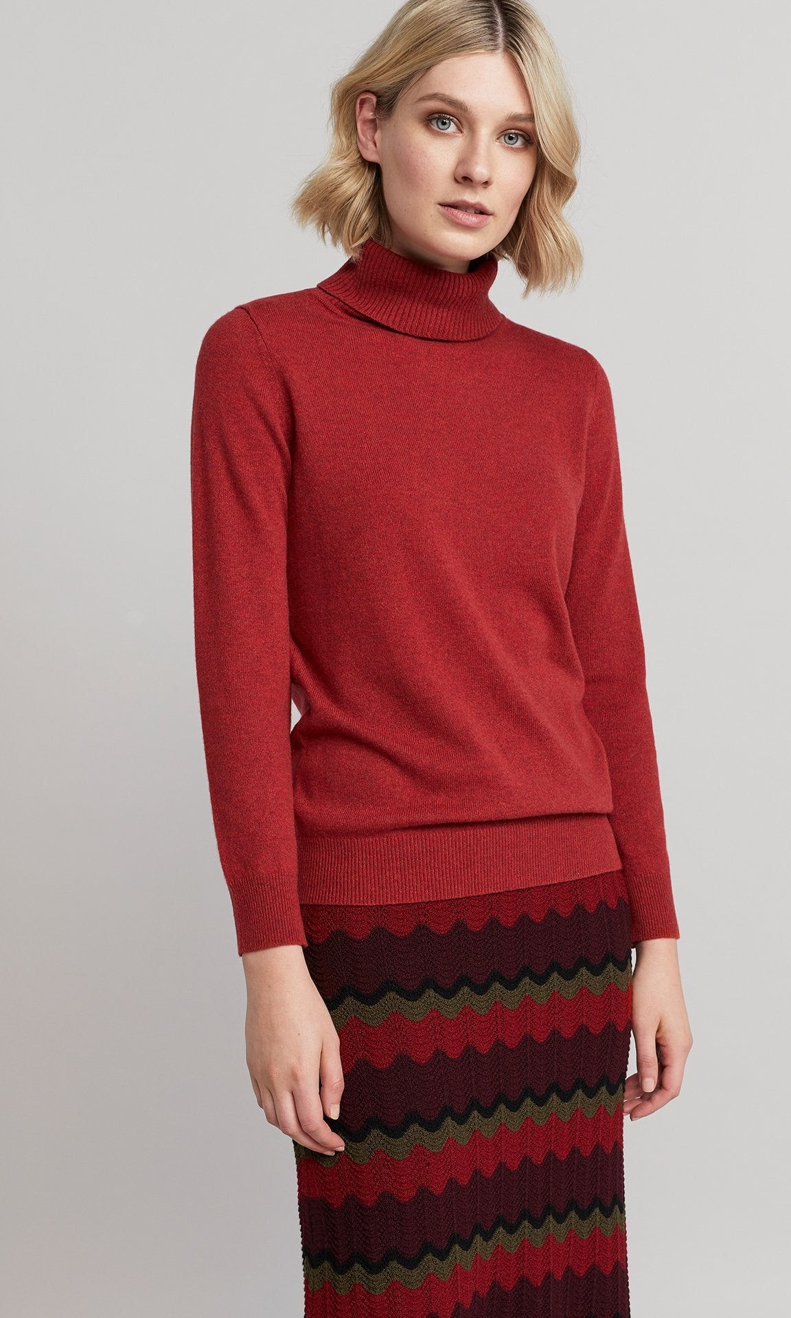 Grace Rollneck - Raspberry