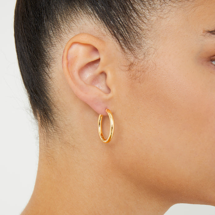 THE 14KT GOLD MID SIZE HOOPS