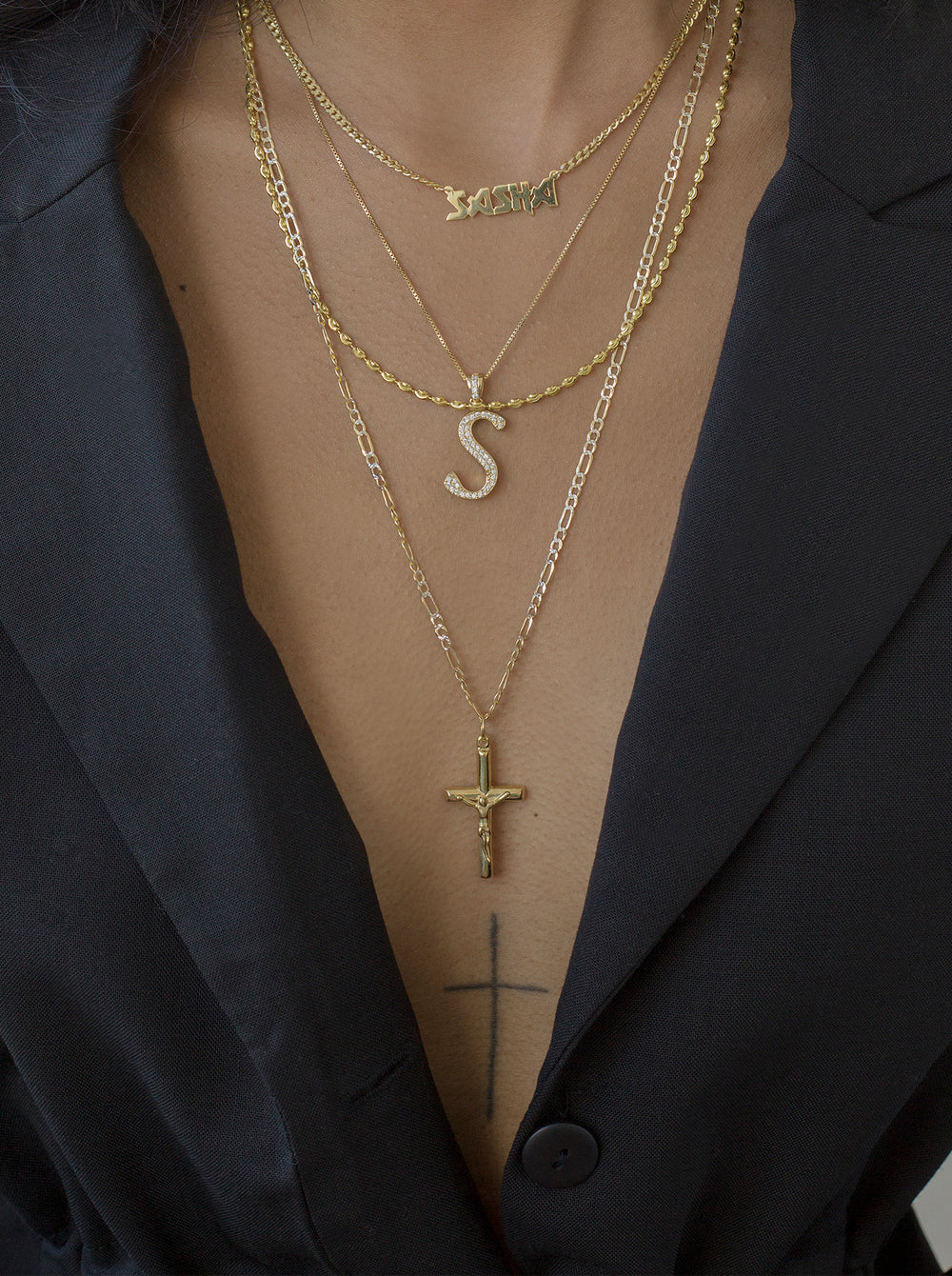THE CRUCIFIX NECKLACE