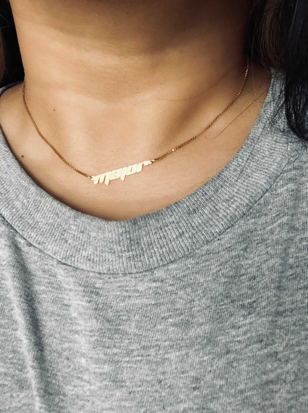 THE FRAME NAMEPLATE NECKLACE
