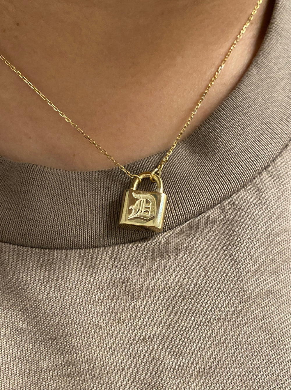 THE 14KT EMBOSSED OLD ENGLISH LOCK NECKLACE