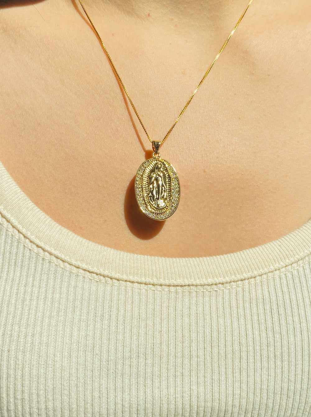 THE OVAL PAVE GUADALUPE EMBOSSED PENDANT NECKLACE