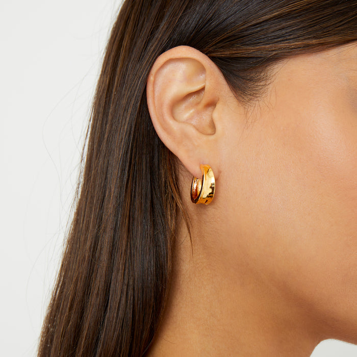 THE LIA HUGGIE EARRINGS
