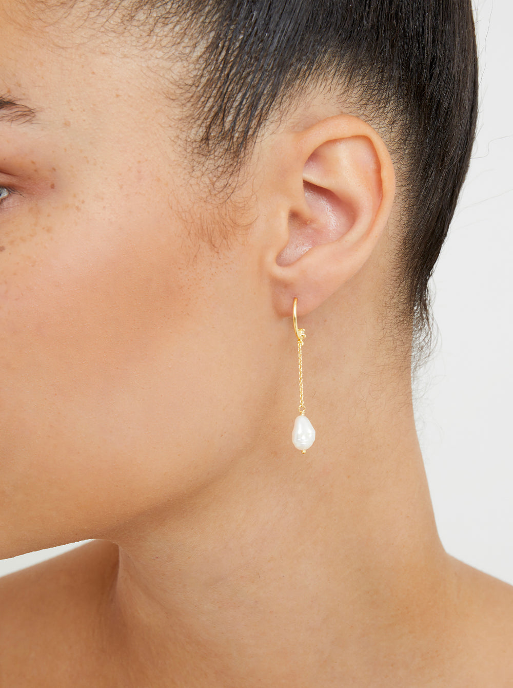 THE LILA PEARL DROP EARRINGS