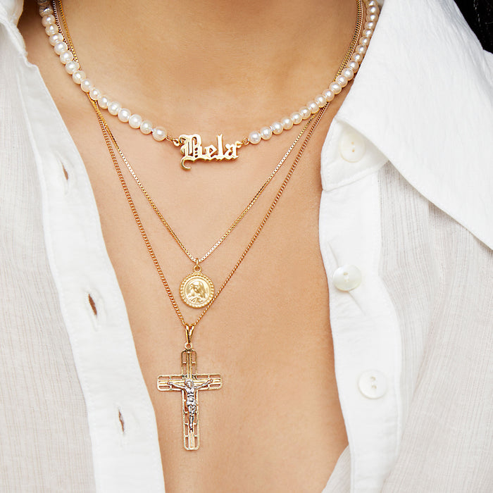 THE OLD ENGLISH PEARL NAMEPLATE NECKLACE