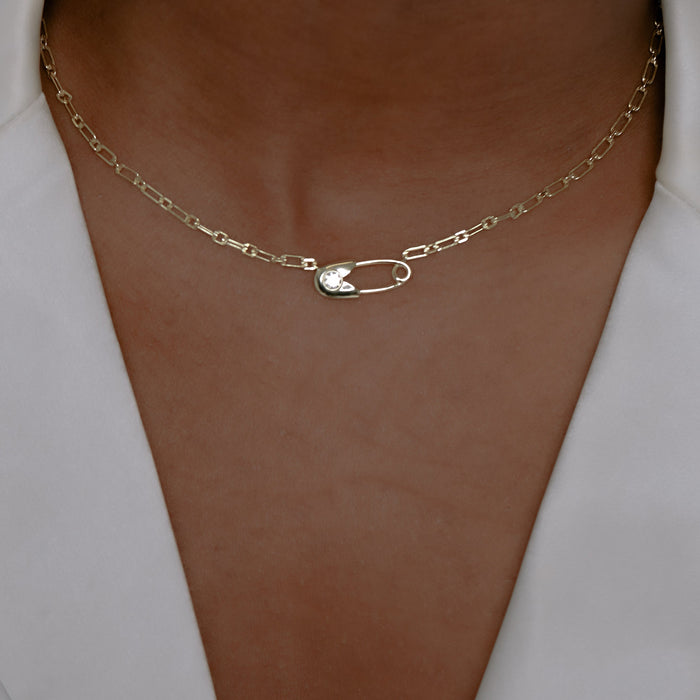 THE SAFETY PIN REDA NECKLACE