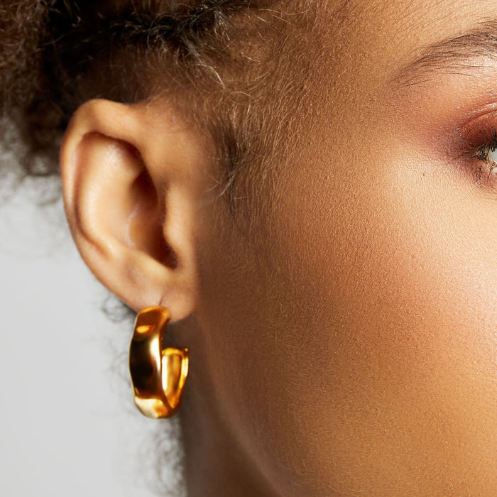THE HAMMERED ESTELLE HOOPS