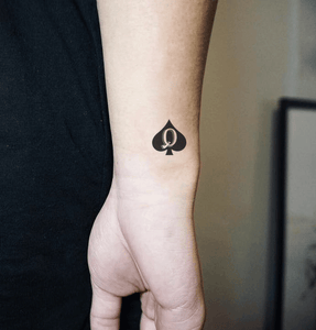 "Small Spades Tattoos ""Queen"""