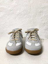 Load image into Gallery viewer, MAISON MARGIELA SNEAKERS