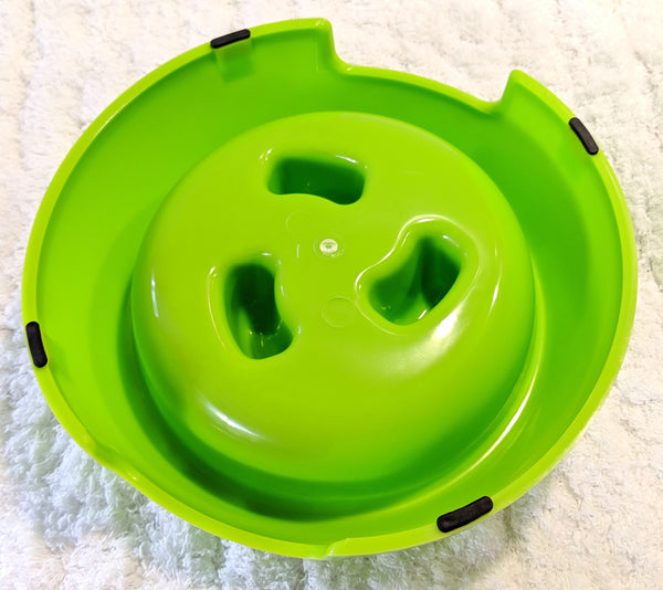 Chow Slow Fun Feeder - Lime (Bottom View)