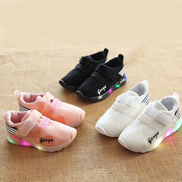 New Glowing Led Sneakers Shoes Girls Boys Children Flat Lighting Shoes Running Sport Casual Kids Shoes April