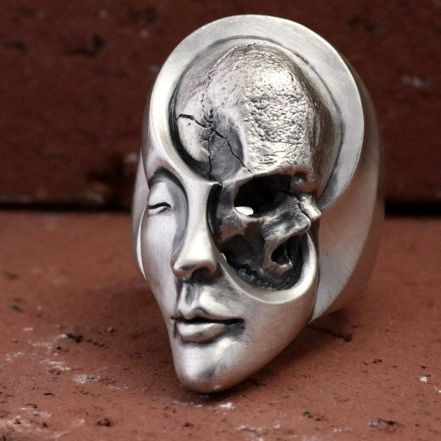 Yin and Yang Skull Ring