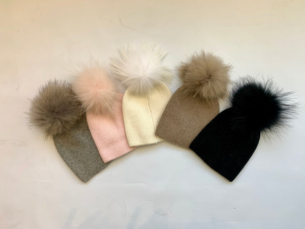 Angora blend single pom hat