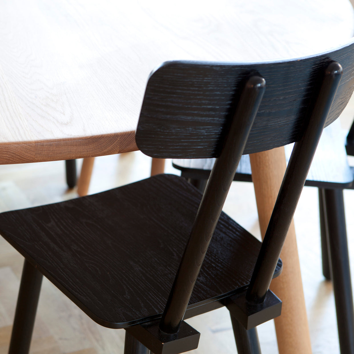 Another Chair - black