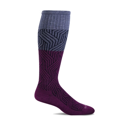 Nouveau Moderate Graduated Compression Socks