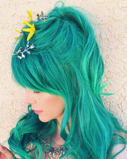 Gradient Green Swept Bang Wavy Costume Wig