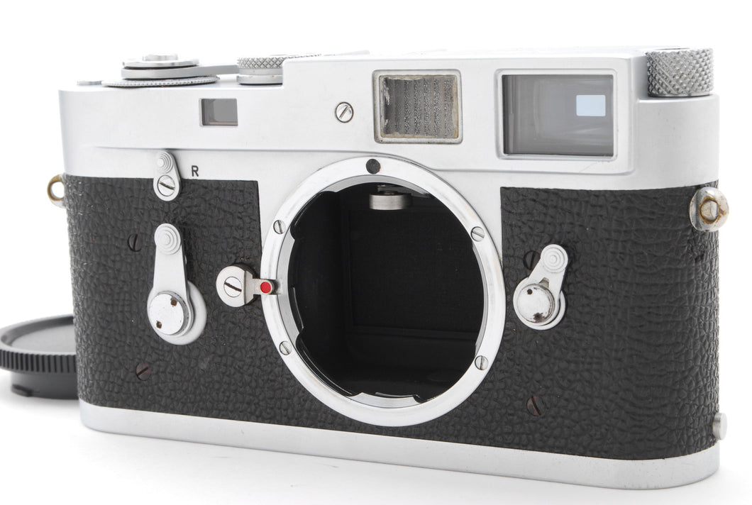【EXC+++++】LEICA M2 CHROME SILVER RANGEFINDER BODY ONLY S/N1076XXX  FROM JAPAN