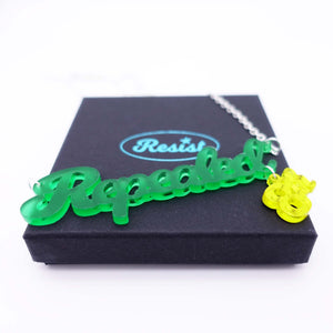 Leaf green frost Repealed the 8th necklace with yellow mirror 8th shown on box
