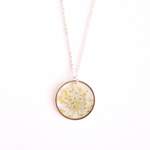 queen Anne's lace silver circle necklace