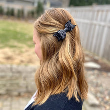 Load image into Gallery viewer, glitter hair bow