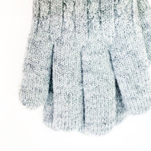 Load image into Gallery viewer, Classic Cable Knit Gloves