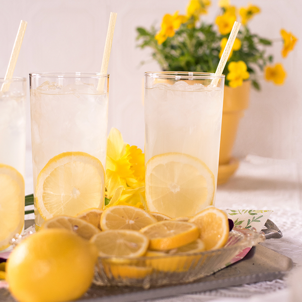 Lemon Water To Help DeBloat