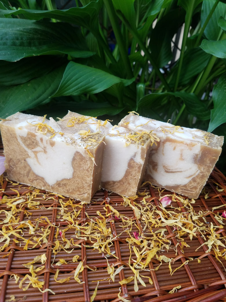 TURMERIC SOAP WITH LICORICE ROOT POWDER - Club Serenity
