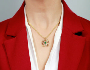 Emerald Ornamental Yellow Gold Pendant with Diamonds