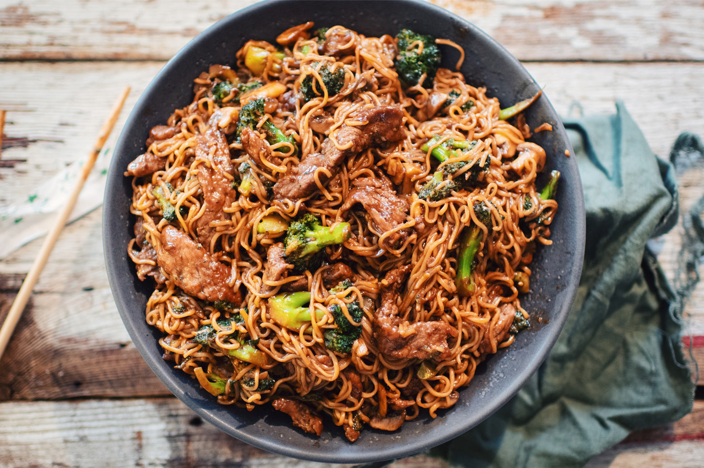 noodles with beef and broccoli