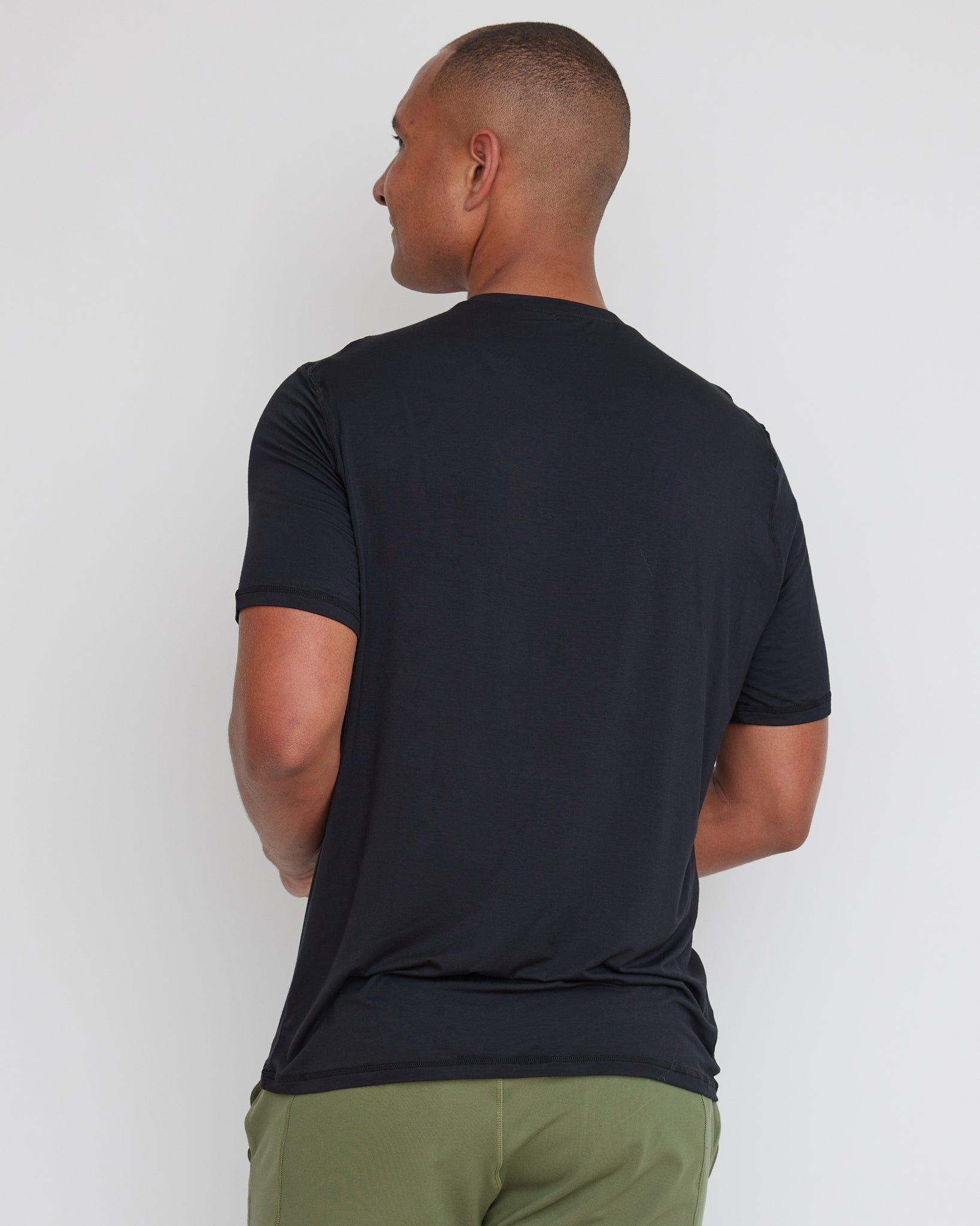 Piha Fitted T-Shirt | Black | Men