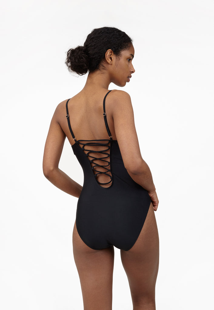 6 Shore Road Wild Tide One Piece Black Swimsuit in XS, S, M, L -  Summer 2018 Collection
