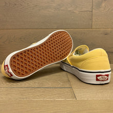 Load image into Gallery viewer, VANS CLASSIC SLIP-ON VN0A4U38WL6