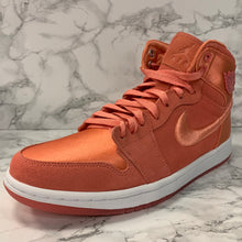 Load image into Gallery viewer, WMNS AIR JORDAN 1 RETRO HIGH SOH AO1847-640