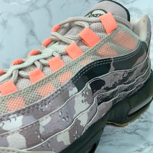 Load image into Gallery viewer, NIKE AIR MAX 95 ESSENTIAL AQ6303-001
