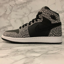 Load image into Gallery viewer, AIR JORDAN 1 RETRO HI PREM BG 838850-013