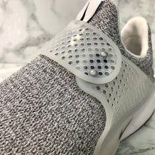 Load image into Gallery viewer, NIKE SOCK DART 862412-100