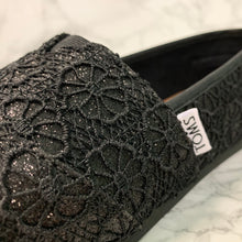 Load image into Gallery viewer, TOMS CLASSIC CROCHET GLITTER 10009295