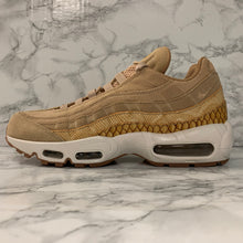 Load image into Gallery viewer, NIKE AIR MAX 95 PREMIUM SE 924478-201