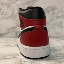 Load image into Gallery viewer, AIR JORDAN 1 MID 554724-069