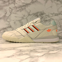 Load image into Gallery viewer, ADIDAS ORIGINALS A.R TRAINER D98157