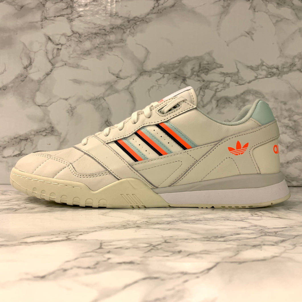 ADIDAS ORIGINALS A.R TRAINER D98157
