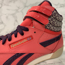 Load image into Gallery viewer, REEBOK FREESTYLE HI V63068