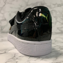 Load image into Gallery viewer, PUMA BASKET HEART PATENT 363073-01