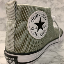 Load image into Gallery viewer, CONVERSE CHUCK TAYLOR ALL STAR STREET MID 660724F