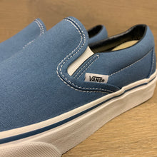 Load image into Gallery viewer, VANS CLASSIC SLIP-ON VN000EYENVY